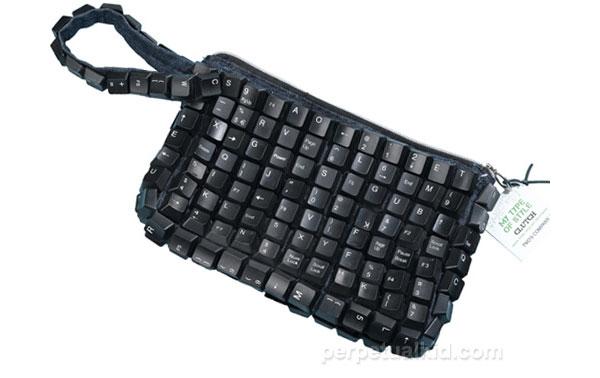 recycled-keyboard-clutch-purse
