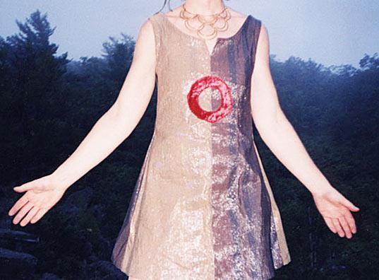 sonicloth2 Sonic Fabric..ผ้าที่ถักทอจากเทปคาสเซ็ท