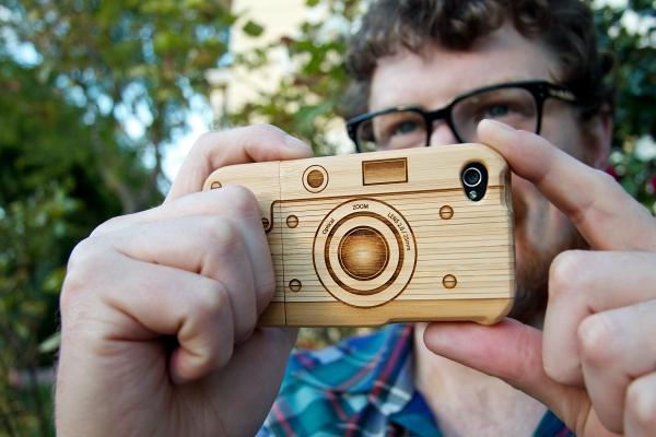 Wood camera Iphone4 case 14 - Walnut