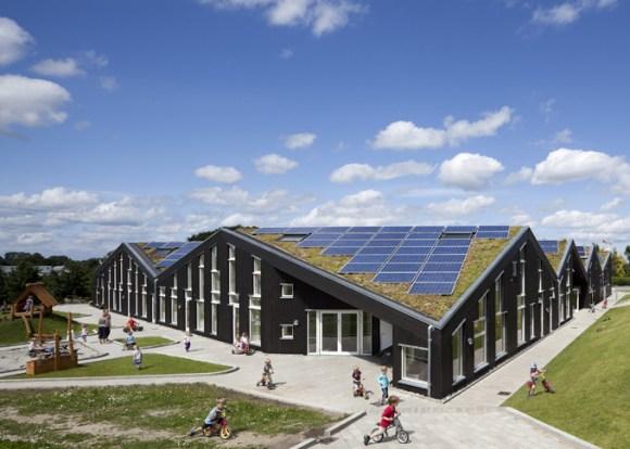 christensen sunhouse7 Green roof หลังคาพลังงานแสงอาทิตย์ ปลูกต้นไม้ได้อีก