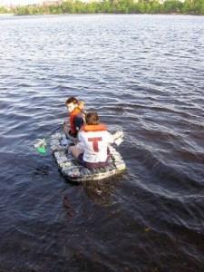image 8056 4E8063FE 225x300 Lifesaving หลากไอเดียในภาวะน้ำท่วม