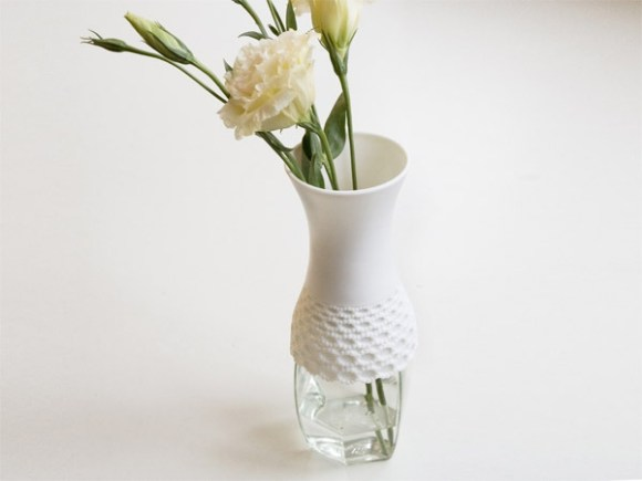 lace 01 l 580x435 Lace vase,new way to reuse