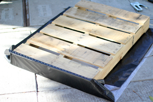 DIY. RECYCLED PALLET สู่สวนแนวตั้ง 6 - DIY