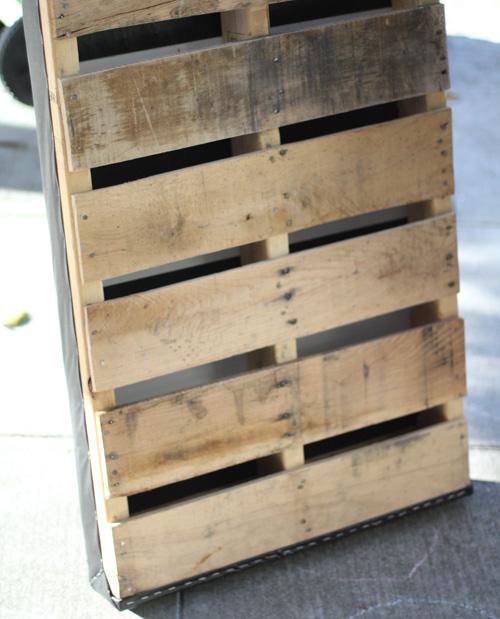 DIY. RECYCLED PALLET สู่สวนแนวตั้ง 8 - DIY