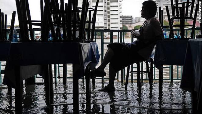111011022147-bangkok-floods-horizontal-gallery