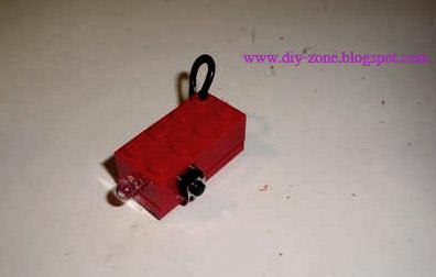 DIY เลโก้ไฟฉายพกพา-ยามน้ำท่วม 13 -