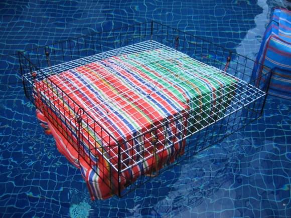 Floating pouches สร้างเรือจากกระเป๋าลอยน้ำแบบไทยๆ 19 - floating