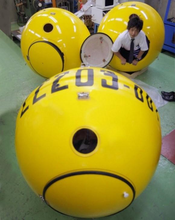 Tsunami survival capsule 15 - capsule