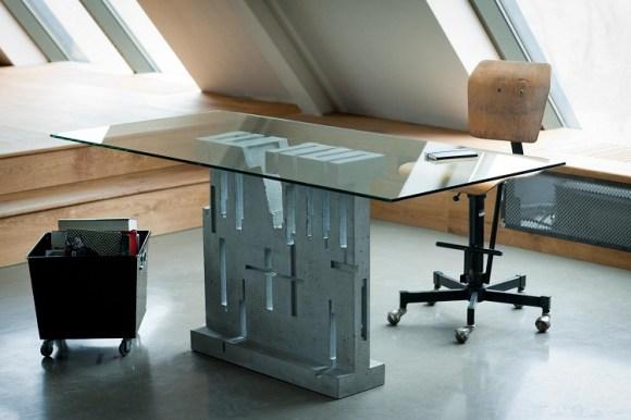 1311265688 580x386 Applied Literature สร้างสรรค์โต๊ะจากหนังสือ