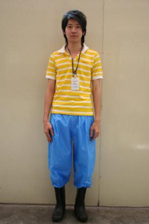 7 11 2554 10 40 15 Magic pants กางเกงแก้วป้องกันโรคจากน้ำท่วม