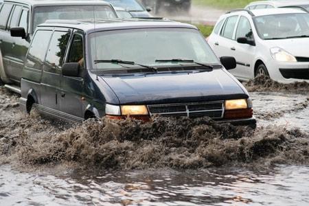 เทคนิคขับรถให้ปลอดภัยตามระดับความสูงของน้ำ 16 -