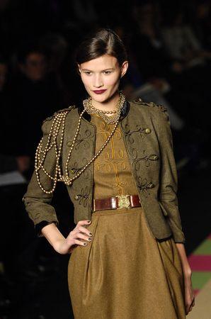 fashion-123615861