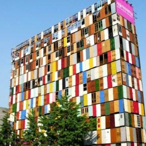 สร้างตึกสูง 10 ชั้นจากประตูเก่า 1,000 บาน 15 - street art