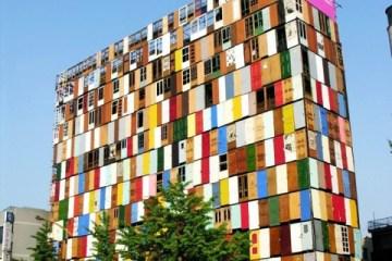 สร้างตึกสูง 10 ชั้นจากประตูเก่า 1,000 บาน 4 - street art