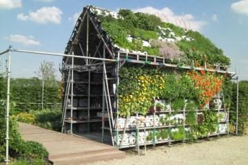 EatHouse บ้านกินได้..สวนแนวตั้งที่สร้างจากลังพลาสติก 10 - Reuse