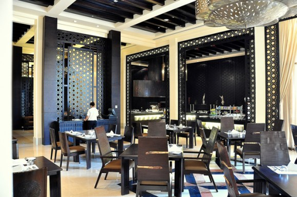 Al Waha Restaurant Banyan Tree Al Wadi UAE a21207202 580x386 Banyan Tree AL Wadi รีสอร์ท ณ ดูไบ