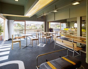 %name Cafe/day By suppose design office ร้านกาแฟบนที่จอดรถ