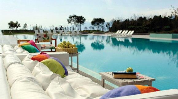 marmara antalya pool big 580x325 Top 5 Hip Hotel in the World 5 อันดับโรงแรมคอนเซ็ปต์เก๋ๆ