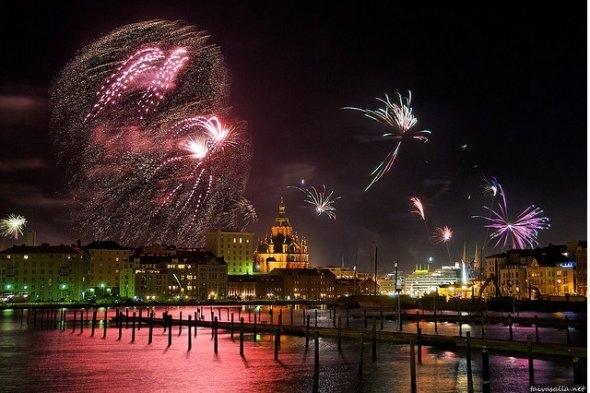 25550101 191030 2012 Countdown..ดอกไม้ไฟเหนือน่านฟ้าเมืองต่างๆ สวยงามแค่ไหน