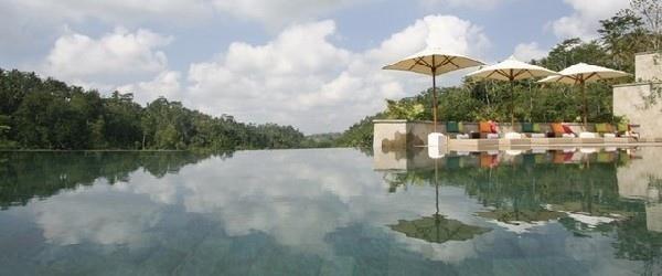 25550112 092418 สระว่ายน้ำที่สวยที่สุด..แอ่งน้ำบนหน้าผากลางหุบเขา