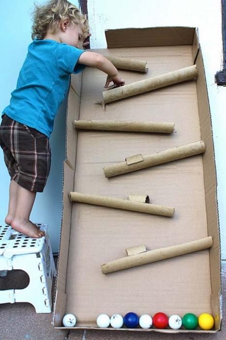 25550114 090425 D.I.Y. ของเล่นเด็ก เสริมทักษะ และพัฒนาการ จากกล่องและแกนกระดาษเก่า