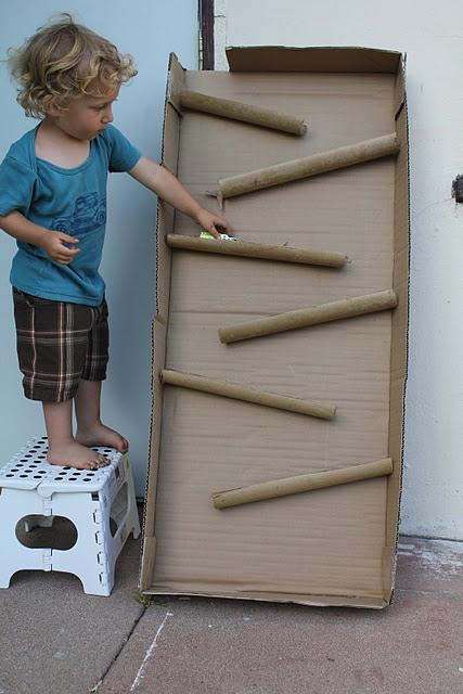 D.I.Y. ของเล่นเด็ก เสริมทักษะ และพัฒนาการ จากกล่องและแกนกระดาษเก่า 13 - DIY