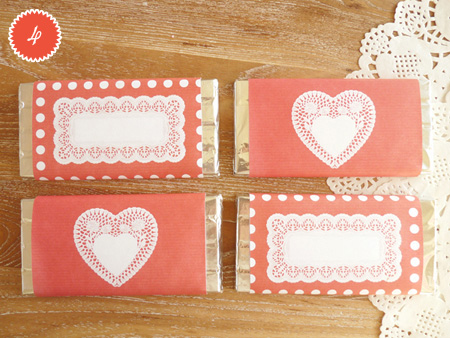 DIYValentine FREEPrintable ChocolateWrappers RED 5 num DIY.Chocolate bar wrapper