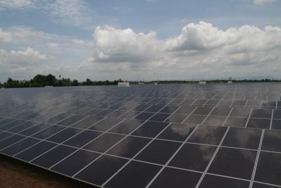 โรงไฟฟ้าพลังงานแสงอาทิตย์ใหญ่ที่สุดในประเทศไทย 15 - 100 Share+