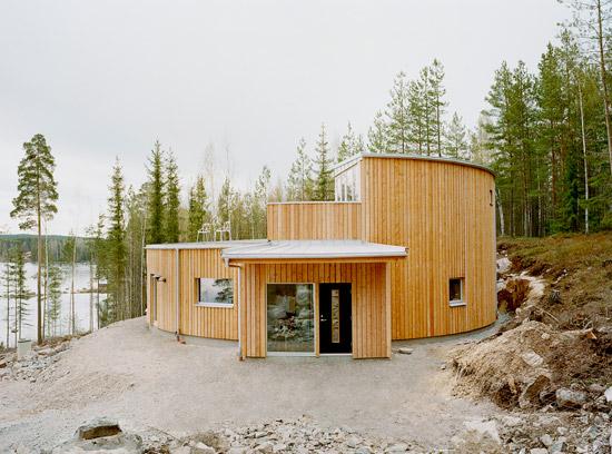 kk02 Villa Nyberg บ้านที่มีการผสมผสานของไม้ที่เป็นมิตรกับสิ่งแวดล้อม