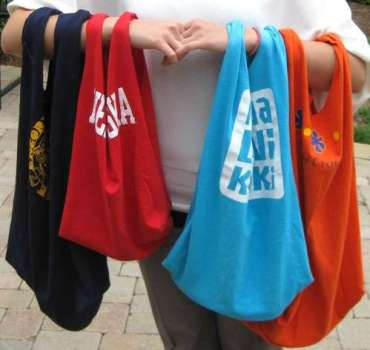IMG 1195 370x350 เสื้อยืดเก่า..เอามาทำถุงจ่ายตลาดเท่ๆกัน
