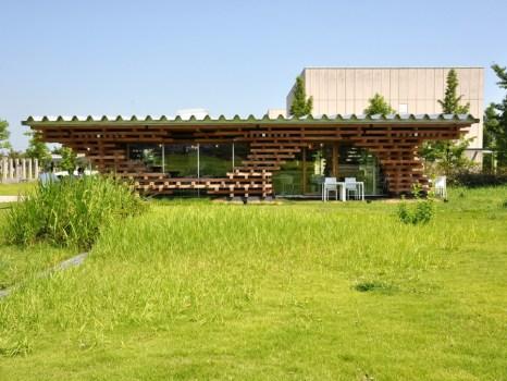 78093 466x350 Café Kureon,Wooden Restaurant