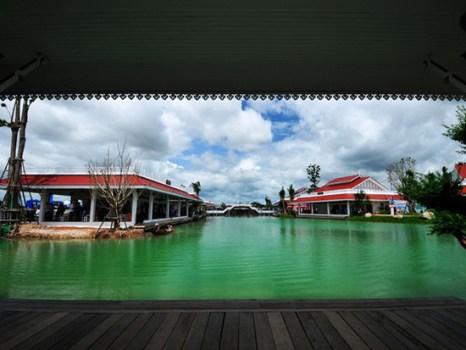 201108002 3 466x350 เที่ยวสนุกทุกวันหยุดได้ที่ ตลาดน้ำหัวหินสามพันนาม Floating market @Huahin