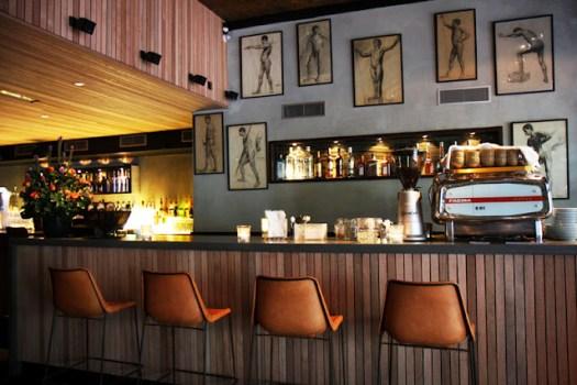 เล้าจน์-บาร์ ออกแบบอย่างประณีต เพื่อดึงดูดบรรดาเกย์และคนที่อยากใช้ชีวิตกลางคืนทั้งคืน  6 - Bar