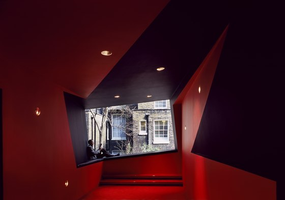 Surface Birkbeck 04 อาคารรูปทรงซิกแซก เส้นสาย และสีสัน...a feast for the senses