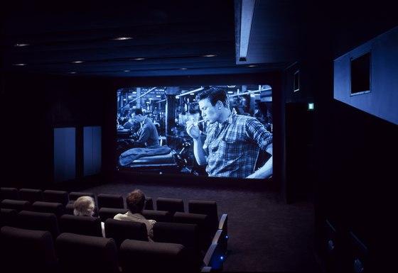 อาคารรูปทรงซิกแซก เส้นสาย และสีสัน...a feast for the senses 18 - centre for film and visual media