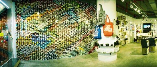 b111b602eb6c8b369f3c5f28721733c54b0f9d 550x235 Lomography Gallery Store Bangkok ร้านโลโม่ชั้น 4 สยามดิสคัฟเวอรี่