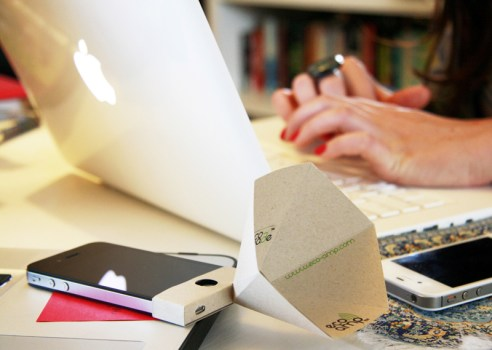 The eco-amp,iPhone speaker จากกระดาษรีไซเคิล 4 - eco-friendly