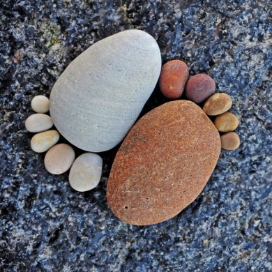 รอยเท้าจากก้อนหิน..โดย Iain Blake 25 - foot prints