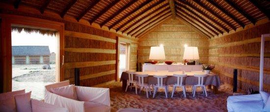 casas na areia6 550x229 Casas Na Areai โรงแรมริมทะเล ล้อมรอบด้วยทุ่งนาและต้นสน