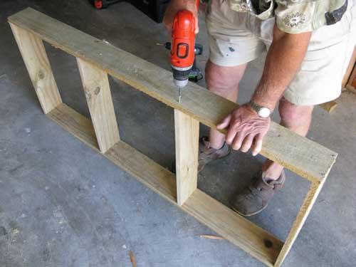 saladbench2 DIY: Garden Bench ลิ้นชัก กระถางใบใหม่ของเหล่าต้นไม้และพืชพรรณขนาดเล็ก