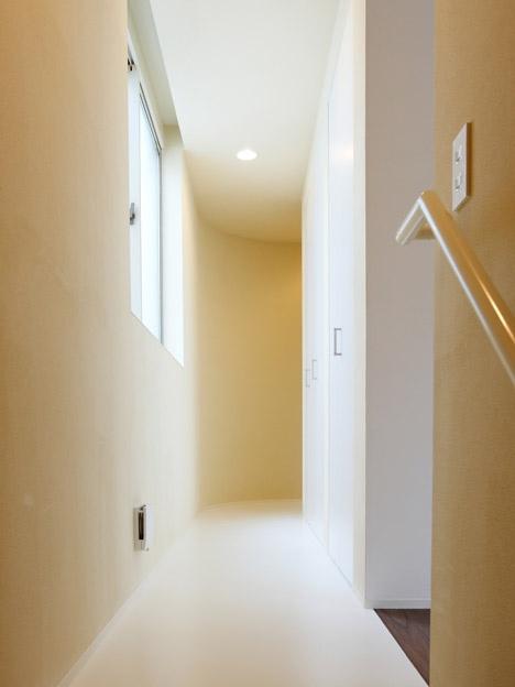"""25550618 164617 บ้านนี้มีไม้ลื่นรอบบ้าน แทนบันได... """"House with SLIDE"""""""