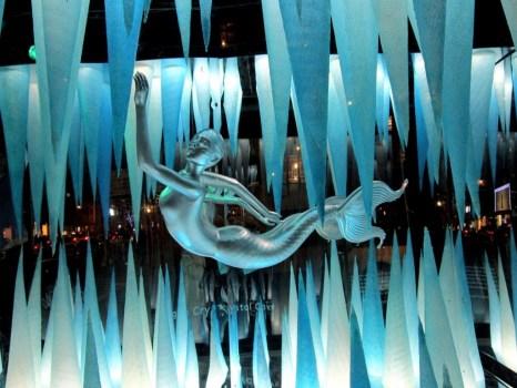 BarneysGagaCrystalCave121211idiosyncraticFashionistasIMG 1929 466x350 Holiday Windows with Lady Gaga Fantasy World เลดี้ กาก้า เจิดจร้า บนวินโดว์ดิสเพลย์
