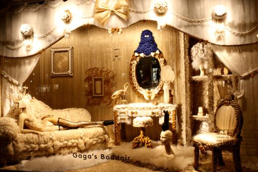 GagasBoudoir 525x350 Holiday Windows with Lady Gaga Fantasy World เลดี้ กาก้า เจิดจร้า บนวินโดว์ดิสเพลย์