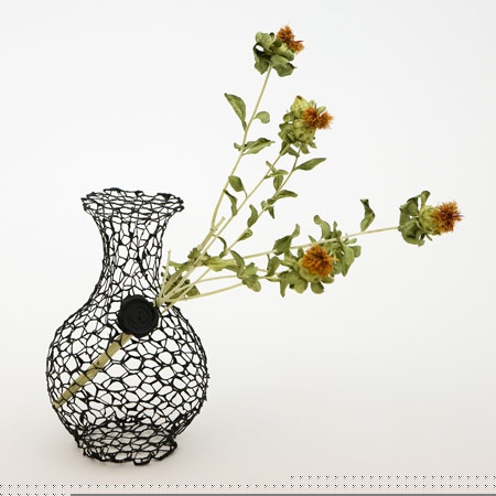 25550711 191648 A Vase for Dead Flowers..แจกัน เพื่อดอกไม้ที่แห้งเหี่ยวแล้ว