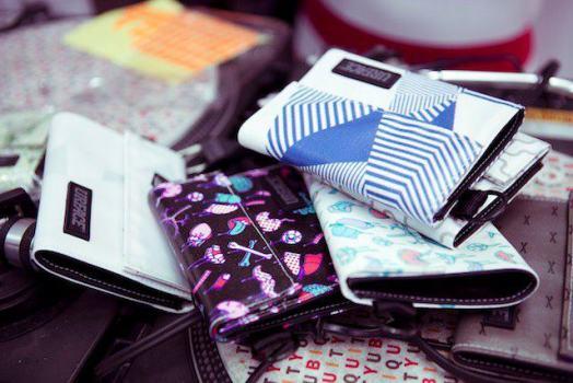 379100 215898441824588 2073057718 n 524x350 Urface X Dudesweet กระเป๋าพริ้นท์สกรีนหมึกที่เป็นมิตรกับสิ่งแวดล้อม การันตีว่ามีใบเดียวในโลกเสียด้วย
