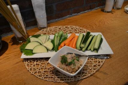 น้ำพริกกับผักสดEhime
