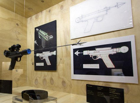 bond17 474x350 Designing 007   fifty years of Bond style กว่าจะมาเป็นสายลับ 007