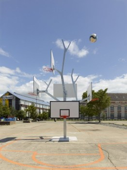 Basket tree in Nantes, France ห่วงบาสหลายระดับในหนึ่งเดียว 14 - basketball