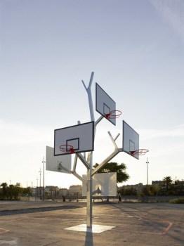 cf051743photo s.chalmeau non libre de droits 262x350 Basket tree in Nantes, France ห่วงบาสหลายระดับในหนึ่งเดียว