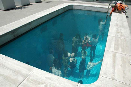 Fake Pool In Art Museum At Kanazawa สระว่ายนำ้นี้ไม่ธรรมดา!! 13 - Art & Design